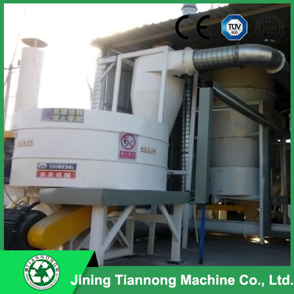 Hammer mill for bale