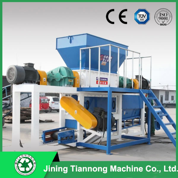 Hammer mill with double-shaft